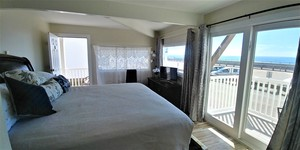 Ocean Front King Bed Private Balcony